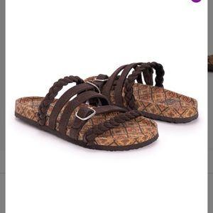 NIB-Brown Geometric Suede Muk Luk Sandals